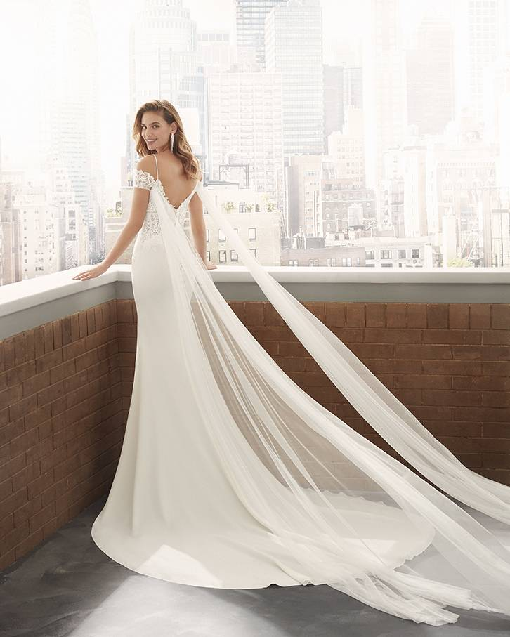 Image de robe de mariées de Maena de la collection Luna Novias